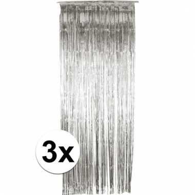 3 zilveren folie gordijnen