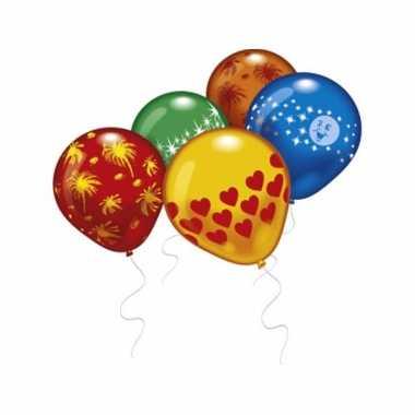 8 verschillende gekleurde ballonnen