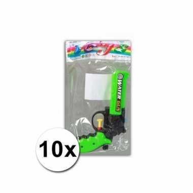 Afgeprijsde 10 speelgoed waterpistolen 16 cm