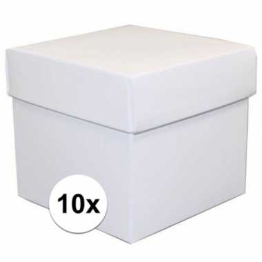 Afgeprijsde 10x vierkante witte kadootjes/cadeautjes 10 cm