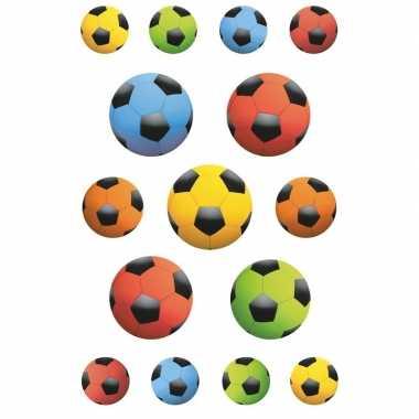Afgeprijsde 135x gekleurde voetbal stickertjes voor kinderen