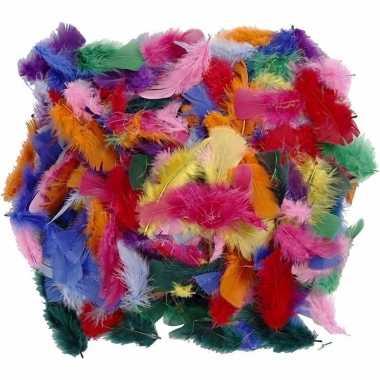 Afgeprijsde 150 gram verschillende kleuren veren