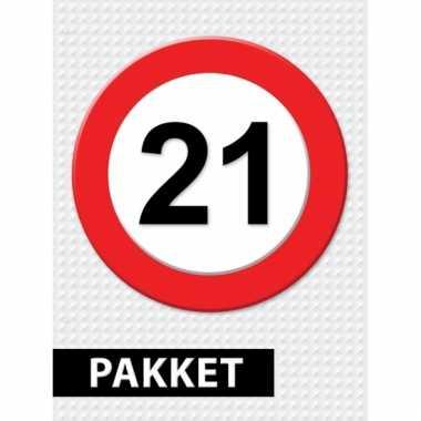 Afgeprijsde 21 jaar verkeersbord versiering pakket