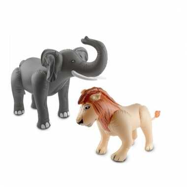 Afgeprijsde 2x opblaasbare wilde dieren olifant en leeuw