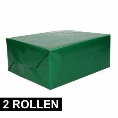 Afgeprijsde 2x rollen cadeaupapier groen 70 x 200 cm