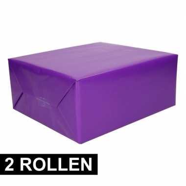 Afgeprijsde 2x rollen inpakpapier paars 200 cm