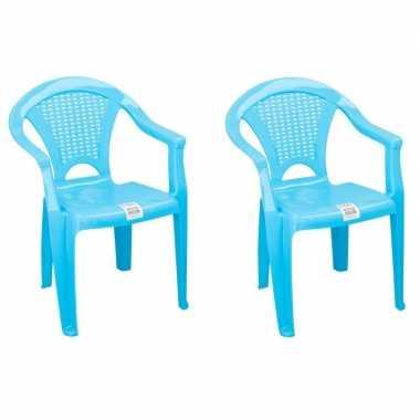 Afgeprijsde 2x tuinstoeltje blauw plastic met dichte leuning 37 x 31