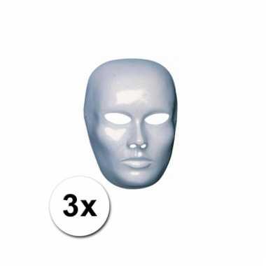 Afgeprijsde 3 blanco maskers van heren gezicht