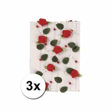 Afgeprijsde 3 slingers van rode rozen 2 meter