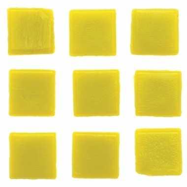 Afgeprijsde 30 stuks vierkante mozaieksteentjes geel 2 cm