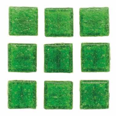Afgeprijsde 30 stuks vierkante mozaieksteentjes groen 2 cm