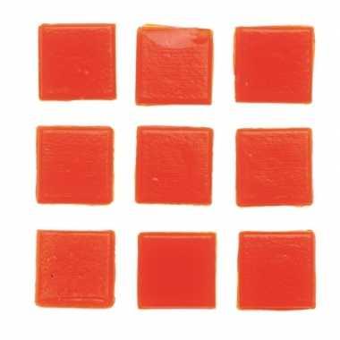 Afgeprijsde 30 stuks vierkante mozaieksteentjes oranje 2 cm