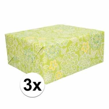Afgeprijsde 3x inpakpapier gele en witte bloemen