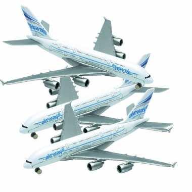 Afgeprijsde 3x speelgoed vliegtuigjes airbus a380 van 14 cm