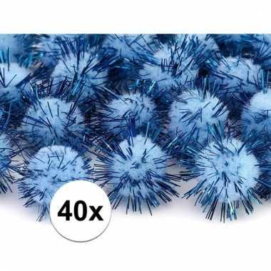 Afgeprijsde 40x lichtblauw decoratie pompons 20 mm