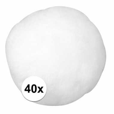 Afgeprijsde 40x witte decoratieve pompons 38 mm