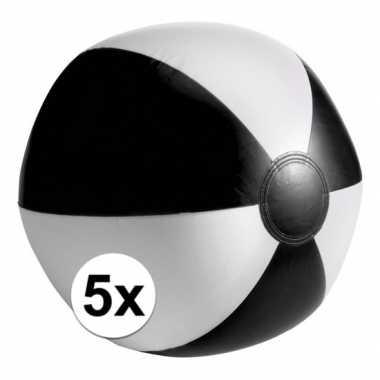 Afgeprijsde 5 opblaas strandballen zwart met wit