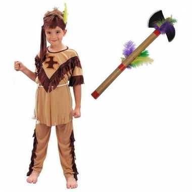 Afgeprijsde carnavalskleding indiaan met tomahawk maat s voor jongens