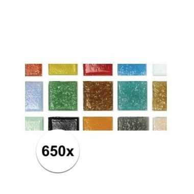 Afgeprijsde gekleurde mozaiek steentjes in emmer