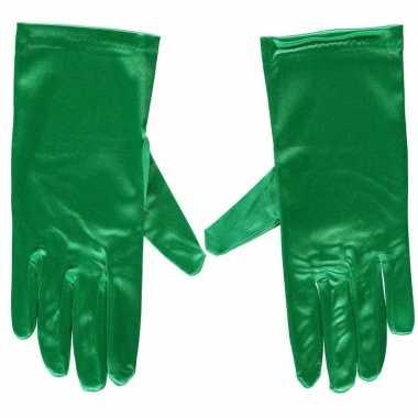 Afgeprijsde groene gala handschoenen kort van satijn 20 cm