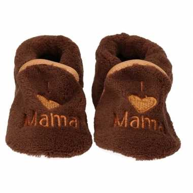 Afgeprijsde kraamcadeau bruine babyslofjes/pantoffels love mama