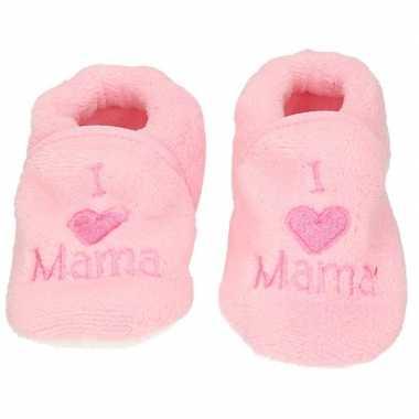 Afgeprijsde kraamcadeau lichtroze babyslofjes/pantoffels love mama