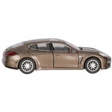 Afgeprijsde speelgoedauto porsche panamera s bruin 12 cm