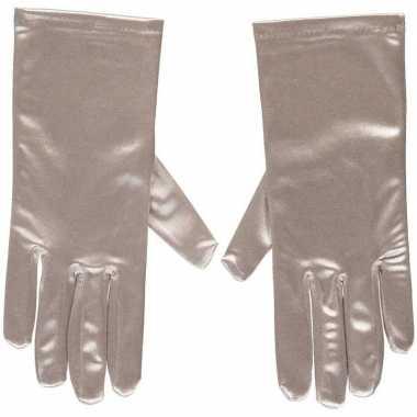 Afgeprijsde zilveren gala handschoenen kort van satijn 20 cm