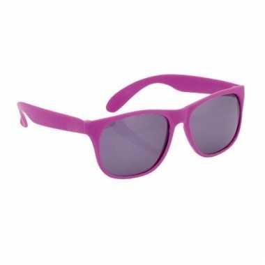 Afgeprijsde zonnebril met kunststof paarse montuur