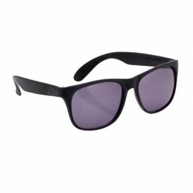 Afgeprijsde zonnebril met kunststof zwart montuur