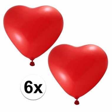 Ballonnen in hartjes vorm rood