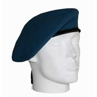 Baret van een soldaat lichtblauw