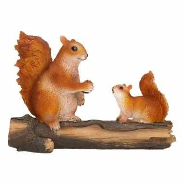 Beeld van eekhoorntjes 24 x 10 x 18 cm polyresin