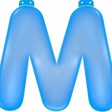 Blauwe opblaasbare letter m