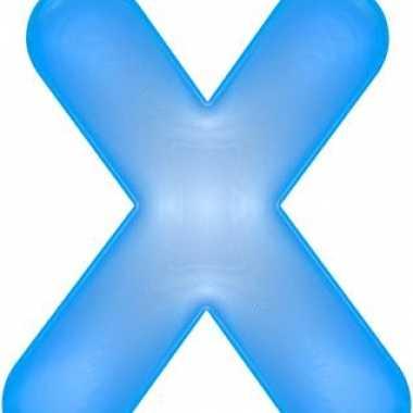 Blauwe opblaasbare letter x