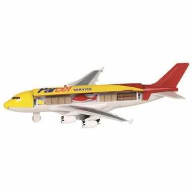 Cargo geel vliegtuigje 19 cm