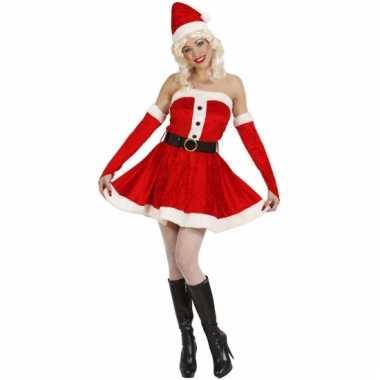 Fluwelen damesjurk voor de kerst