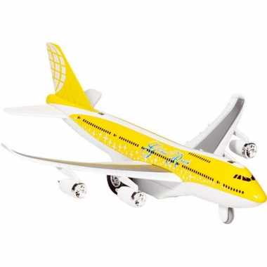 Geel model vliegtuig met licht en geluid