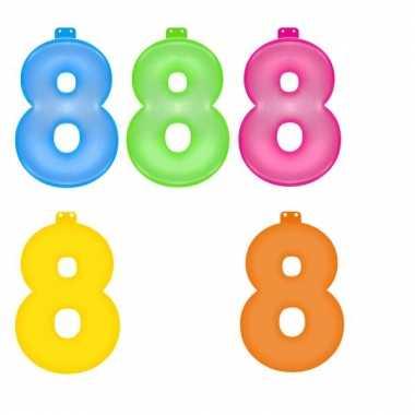 Gekleurde opblaas cijfer 8