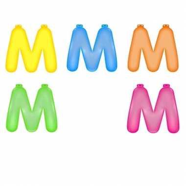 Gekleurde opblaas letters m