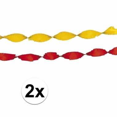 Gele en rode feest slingers