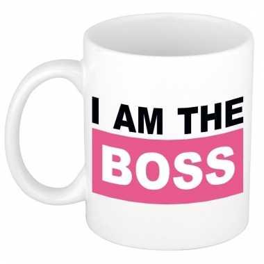 Grappige i am the boss koffiemok / theebeker roze 300 ml