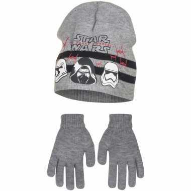 Grijze kindermuts en handschoenen van star wars