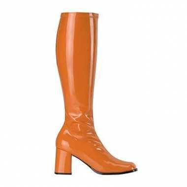 Hoge laarzen in de kleur oranje