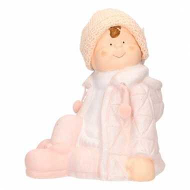 Keramieken beeldje van kind in winterkleding 25 cm