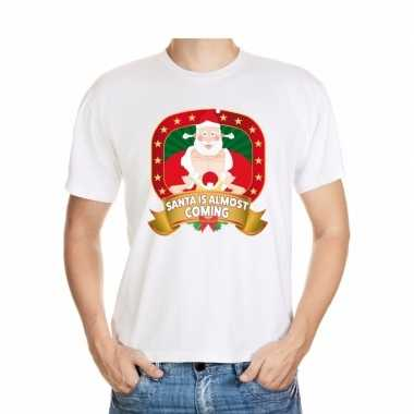 Kerstmis shirt wit santa is almost coming player kerstman voor mannen