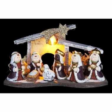 Kleine kerststal led met figuurtjes wit/grijs16 cm