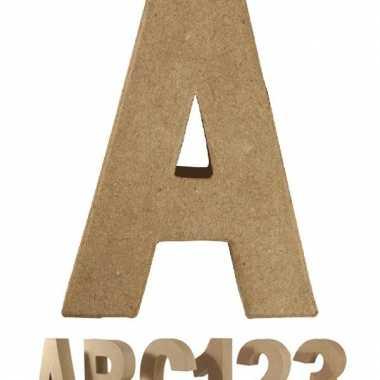 Letter a van papier mache voor decoratie
