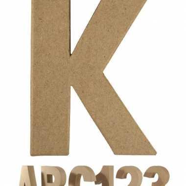 Letter k van papier mache voor decoratie