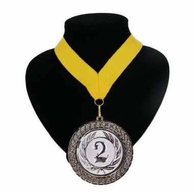Medaille nr. 2 halslint geel